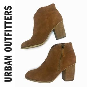 Ecote by Urban Outfitters Suede Short Booties